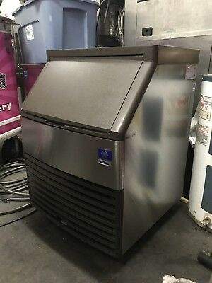 Manitowoc Qyo134A Undercounter Half Cube Ice Maker - 193-Lbs/day, Air Cooled