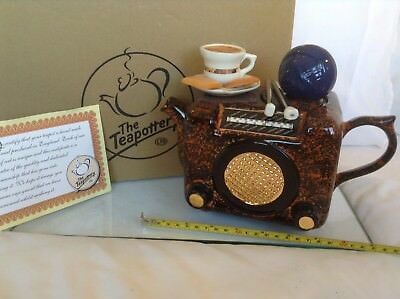 Teapottery Swineside Novelty Collectable Teapot Bacolite Radio Boxed New Condton