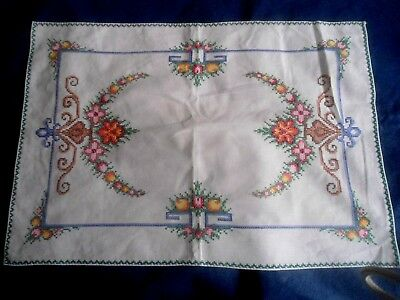 """A Gorgeous White Cotton Hand Cross Stitched Small Cloth 22"""" X 15.25"""""""