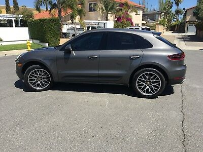 2015 Porsche Macan S 2015 PORSCHE MACAN S (Certified Pre-owned, CPO) and LOADED!!