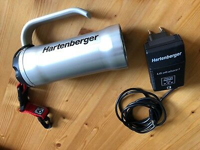 Hartenberger Tauchlampe mini compact electronic mit LG off-shore I Ladegerät