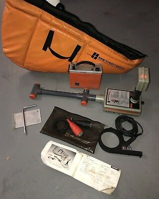 METROTECH 650 Pipe /Cable Locator  Transmitter, Receiver, 4820 MetroClamp & Case