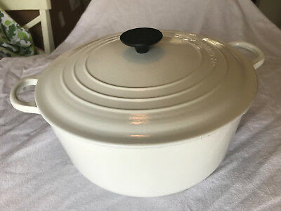 Le Creuset Enameled Vintage Cast-Iron 7-1/4-Quart Round White Dutch Oven #28