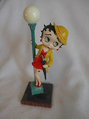 "Danbury Mint ""Singing in the Rain"" Betty Boop Figurine Yellow Raincoat"