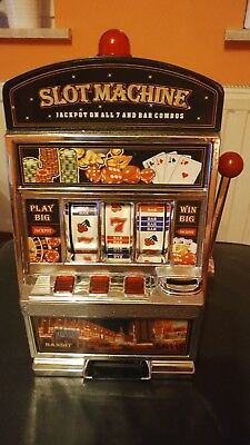 Slot machine Geldspielautomat