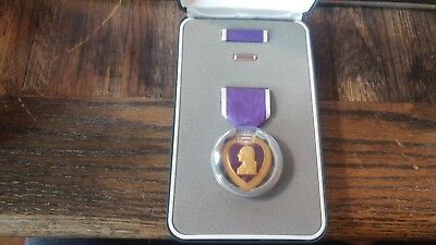 U.S Purple Heart Medal with Ribbon and Lapel Pin