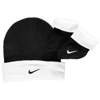 NEW Nike Baby Girls Boys Hat Set Beanie Socks Booties BLACK Newborn 0 3 6 Months