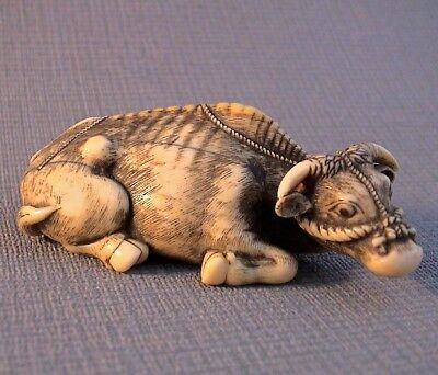 Very Fine Large Museum Quality 19th Century Signed Netsuke of an Ox (Tomotada)