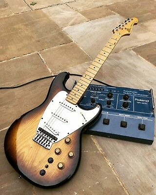 Roland GR505 Guitar and GR300 Guitar Synthesizer