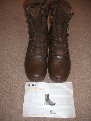 YDS Size 9 Brown Aircrew Leather GoreTex Boots