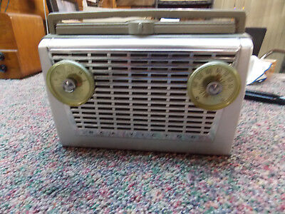 Vintage 1957 RCA Victor Portable-Battery/AC-Tube Radio Model 8-BX-5H Mint Green!
