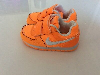 Baby girl/boy infants toddlers Nike trainers size uk 5.5 Excellent condition