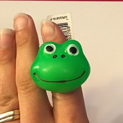 Fun Rubber Light Up Happy Frog Ring. Ages: 3+