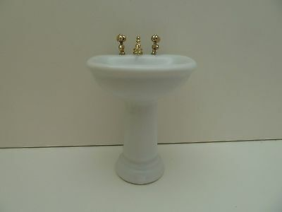 Dolls House Miniature 1:12th Scale Bathroom Furniture White Porcelain Sink BR35