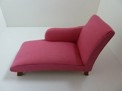 Dolls House Miniature 1:12th Scale Furniture Lounge Bright Pink Chaise Longue