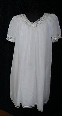 vintage white nightie negligee + brunch coat set lace hand embroidered LOTUS s34