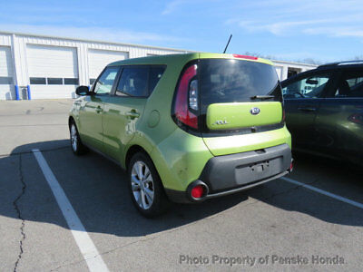 Kia Soul 5dr Wagon Automatic + 5dr Wagon Automatic + 4 dr Automatic Gasoline 4 Cyl GREEN