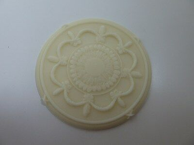 Dolls House Miniature 1:12th Scale Building Lounge Accessory Resin Ceiling Rose