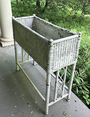 Ohio-Vtg Old Antique-sHAbbY-Painted White Wicker/Rattan-Plant Stand Flower