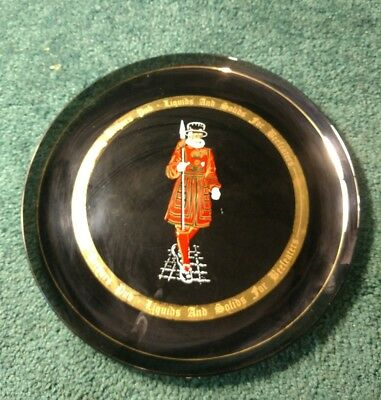 "Beefeaters King Arthur's Pub dark black plate glass 11""x11"""