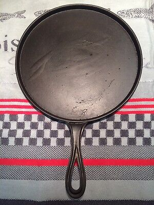 VINTAGE 19thC 7-8 CAST IRON GRIDDLE, GATE MARK, ORNATE HANDLE, HEAT RING