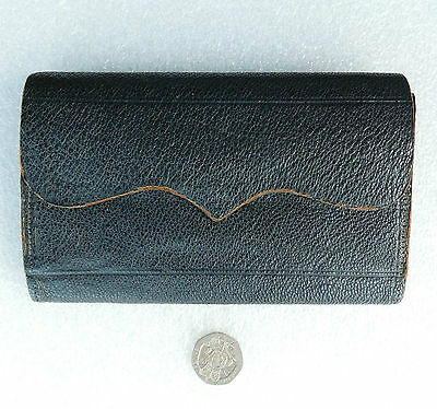 Ladies green leather purse wallet Good quality but old vintage 1960s womens