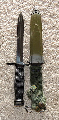 Military Issued M-7 Fighting Knife With US M8A1 Green Scabbard
