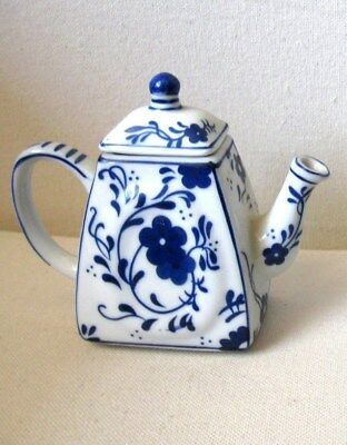 MAXWELL WILLIAMS Blue & White HERITAGE TEAPOT Mini Miniature