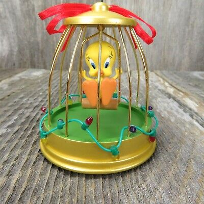 Tweety Bird Looney Tunes Deck the Halls Hallmark Christmas Tree Ornament 2004