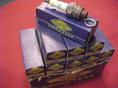 Vintage New Old Stock GOODYEAR DOUBLE EAGLE Spark Plugs 35 [ 9 pack in box ]