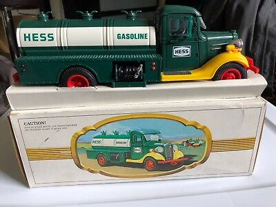 HESS TRUCK Vintage 1980 The First Hess Truck MINT in BOX Collectors