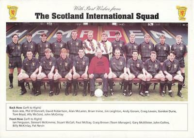 Scotland 1995 football squad A4 photo card SFA issue (1)
