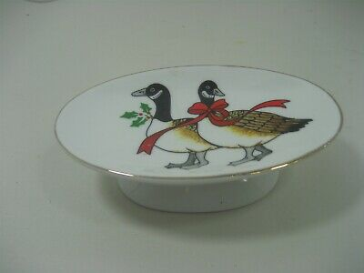 Vintage Ceramic Porcelain Christmas Geese Red Ribbon Soap Dish with Gold Trim