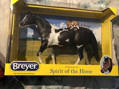 Breyer Chocolate Chip Kisses Pinto Pony Traditional 1:9 Scale NEW in Box