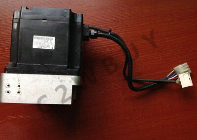 ONE USED Yaskawa SGMP-15A3NT11 servo motor Tested