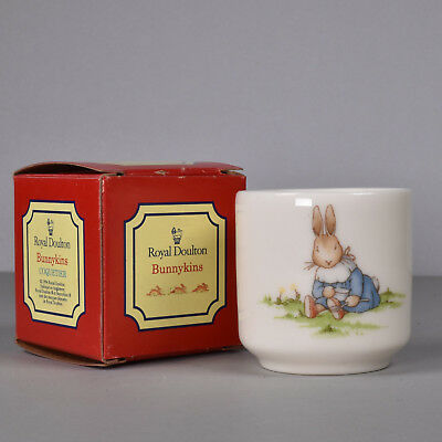 Royal Doulton Bunnykins Coquetier Eggcup, Band & Sitting Eating Porridge