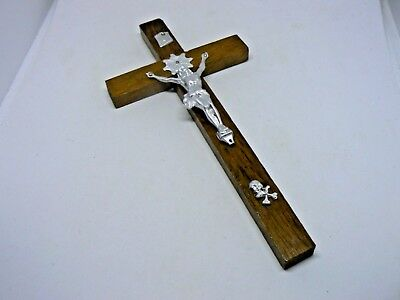 A Pre-Owned Walnut Wood Skull And Crossbones  Catholic Wall Crucifix