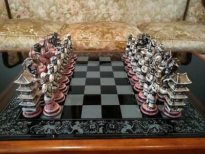 Japanese / Chinese / Oriental Antiques Porcelian Chess Set