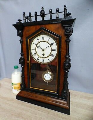 A NICE ATTRACTIVE GOTHIC CASED 8 DAY MANTLE CLOCK c1900 * SERVICED *