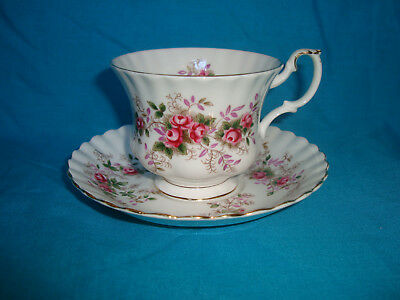 Royal Albert - Lavender Rose - Tea Cup & Saucer (sev. available)