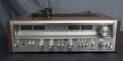 1978 Pioneer SX-880 AM-FM Stereo Receiver with Wood Grain Sides 60 Watts per ch.