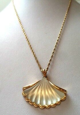 "Stunning Vintage Estate Signed Avon Flower Leaf Gold Tone 24"" Necklace!!! 9758D"