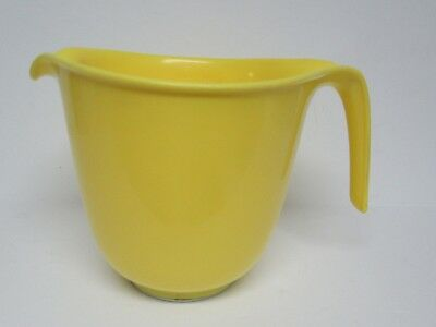 VTG Rubbermaid 6 Cup Yellow Mixing / Batter Bowl  With White Ring  GUC