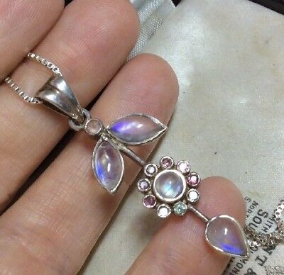Vintage Jewellery Gorgeous Sterling Silver & Moonstone Flower Pendant Necklace