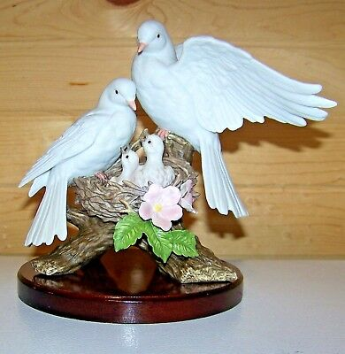 Home Interiors Homco Masterpiece Porcelain 1996 Nature's Promise White Doves