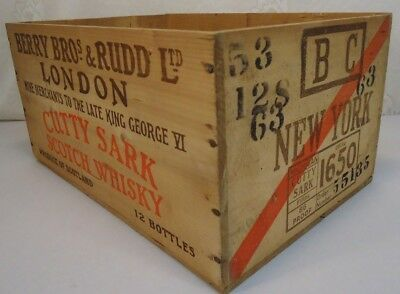 1953 Cutty Sark Wiskey Wood Crate London New York Very Clean!