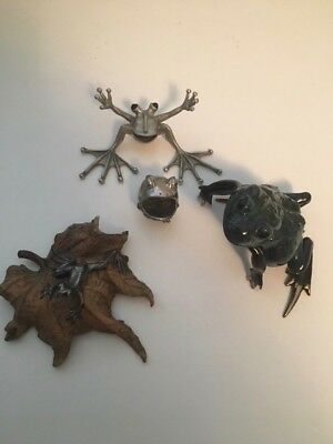 Four Frog figurine collection plus a brass sea turtle
