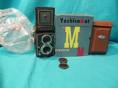 YASHICA C TLR CAMERA WITH CASE BOX & METAL LENS CAP 80mm f3.5