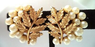 "Stunning Vintage Estate Signed Crown Trifari Flower Leaf 1"" Clip Earrings! 9773F"