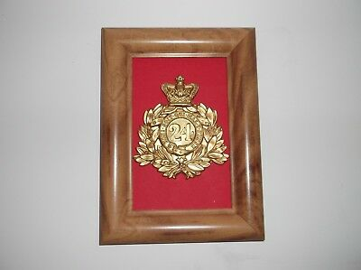 24th of foot helmet badge+frame